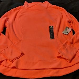 Xersion fleece pullover size Large NWT
